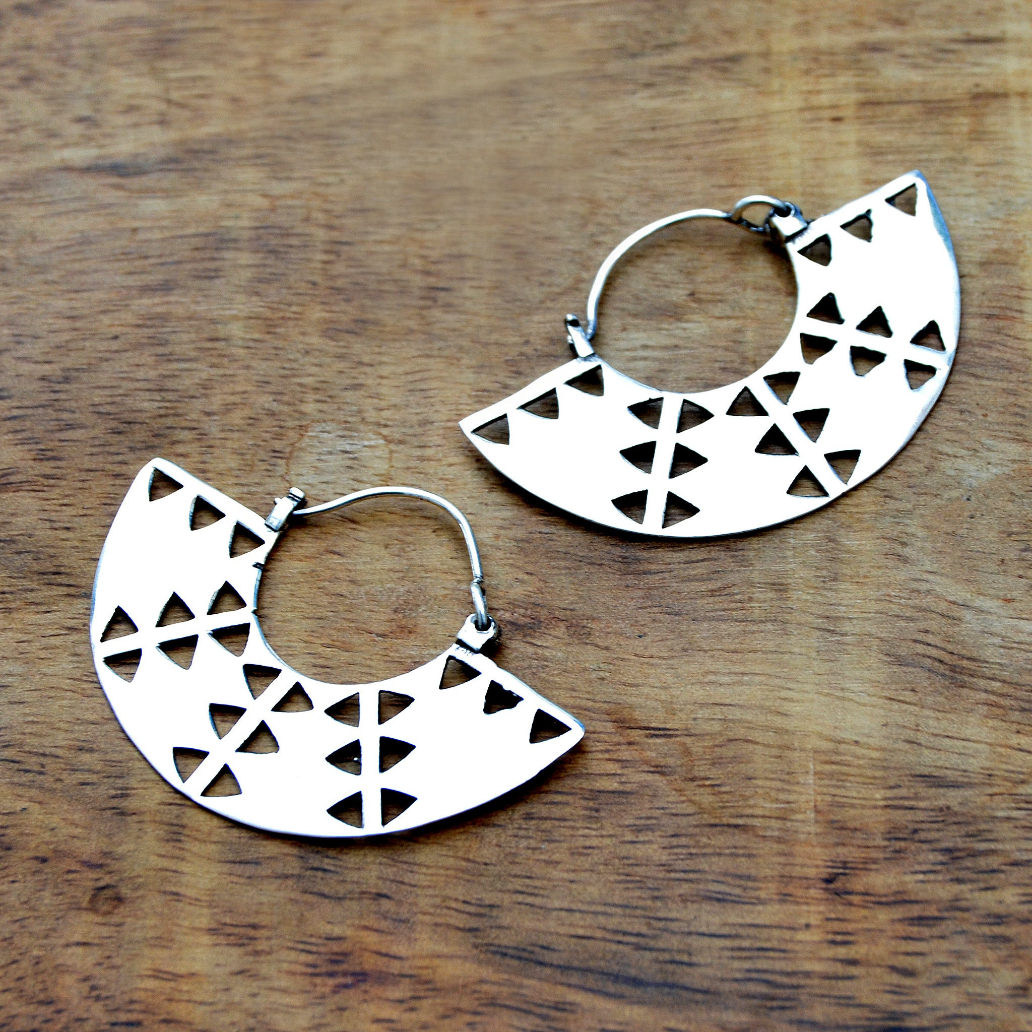silver hoiops earring