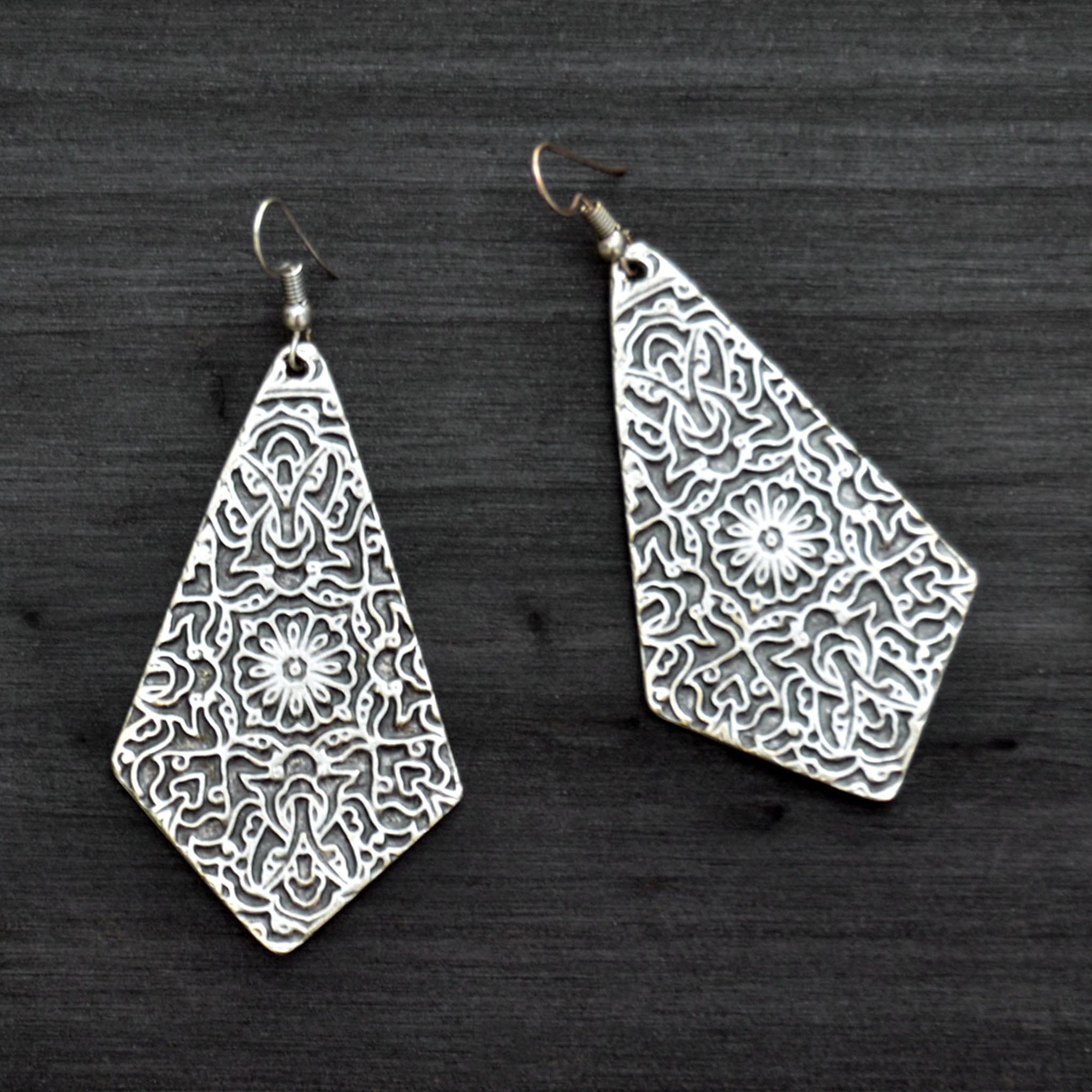 Large kite earrings