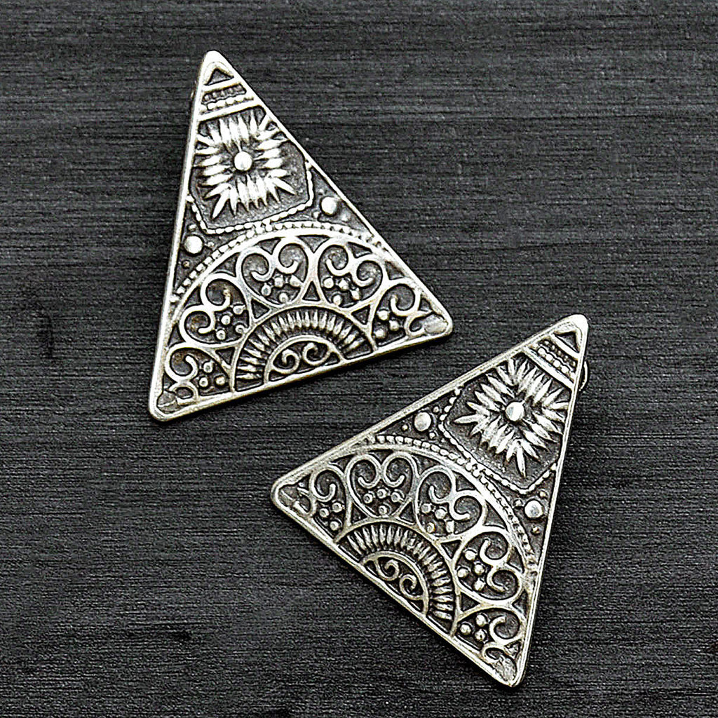 Ethnic stud earrings