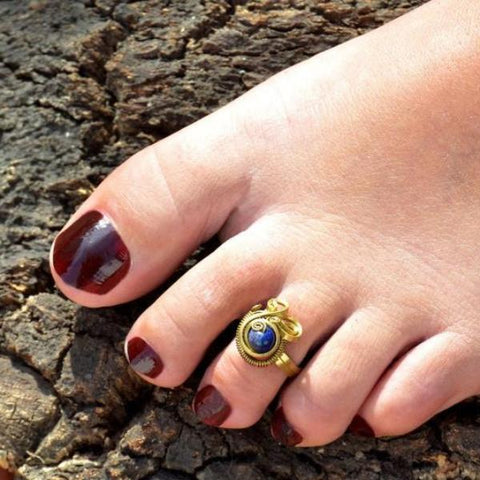 Swirl foot ring