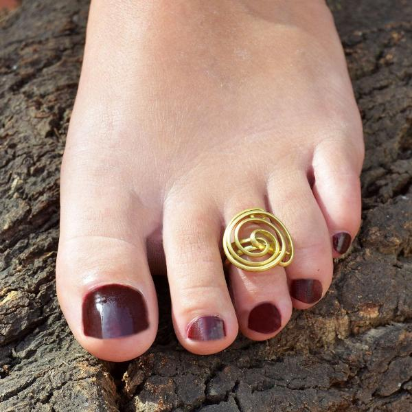 Summer toe ring
