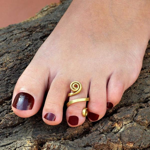 Brass toe ring