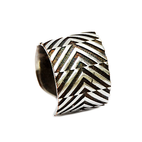 Tribal geometric ring