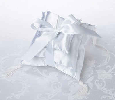 3 Stacked Pillow Shiny White