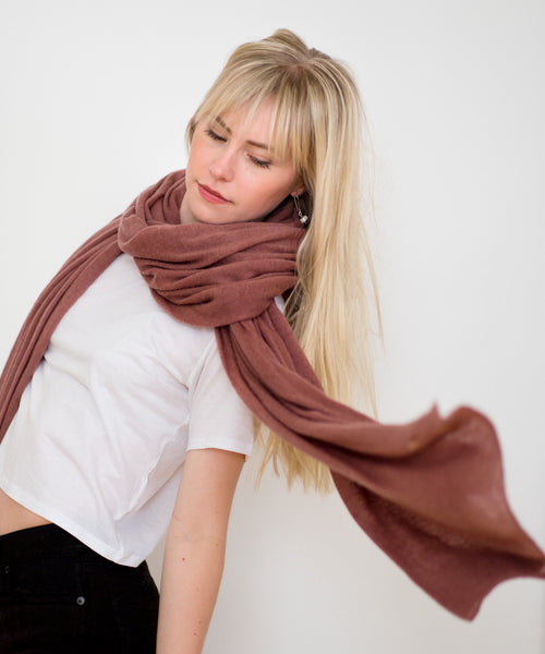 Large Knitted Cashmere Scarf - Copper Pink