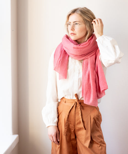 Large Knitted Cashmere Scarf - Peony