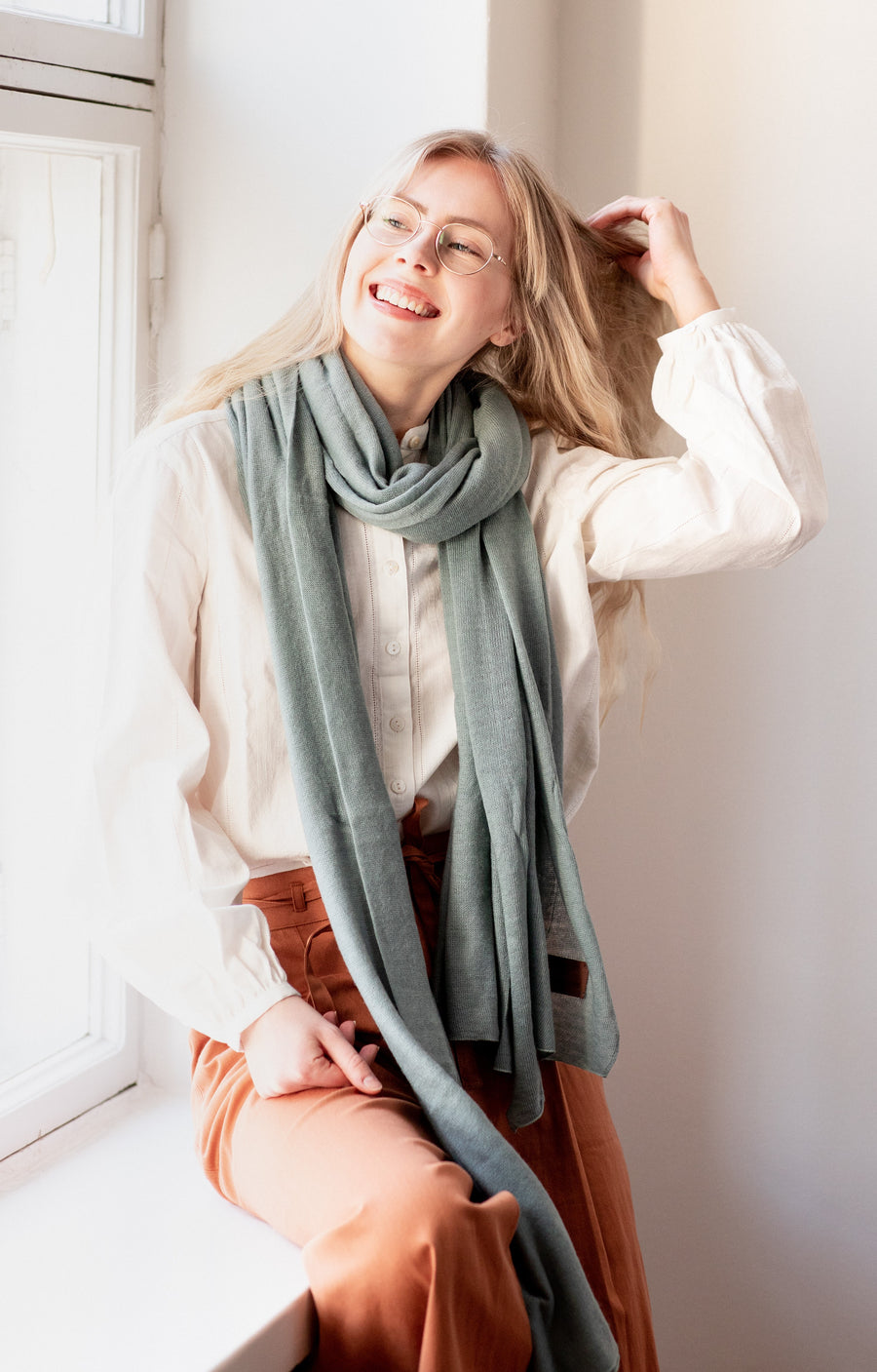 Large Knitted Cashmere Scarf - Wave