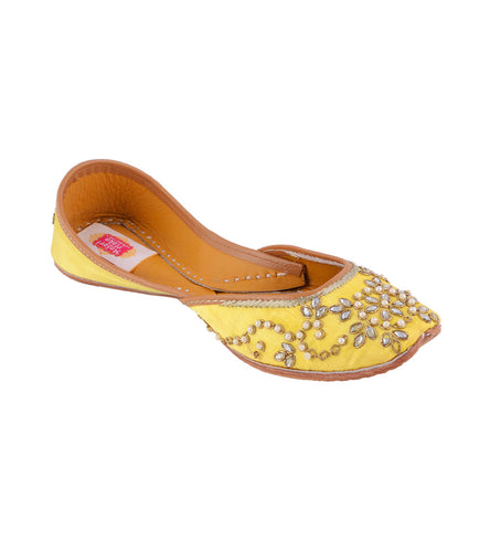 Yellow Leather & Satin Kundan Embellished Jutti