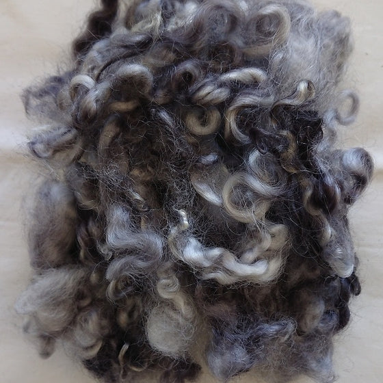 Grey Mist Leicester Curls - Highland Felting and Fibre Supplies
