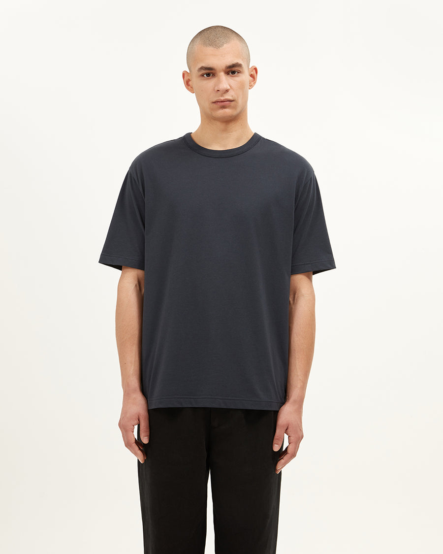Purley crew neck short sleeve t-shirt.  ###  - Organic cotton jersey - Crew Neck  - Short sleeve  - Printed back neck  - Generous fit  - Fits true to size  - 100% Cotton