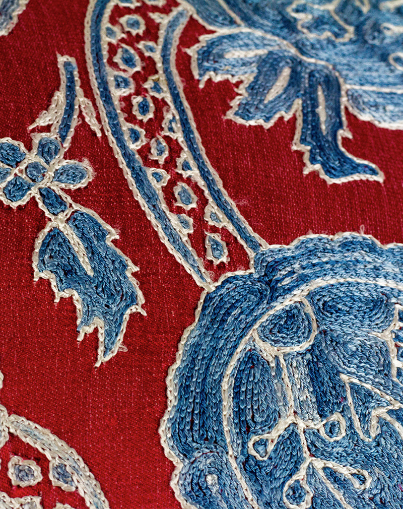 products/turkish-silk-pillow-1-detail.jpg