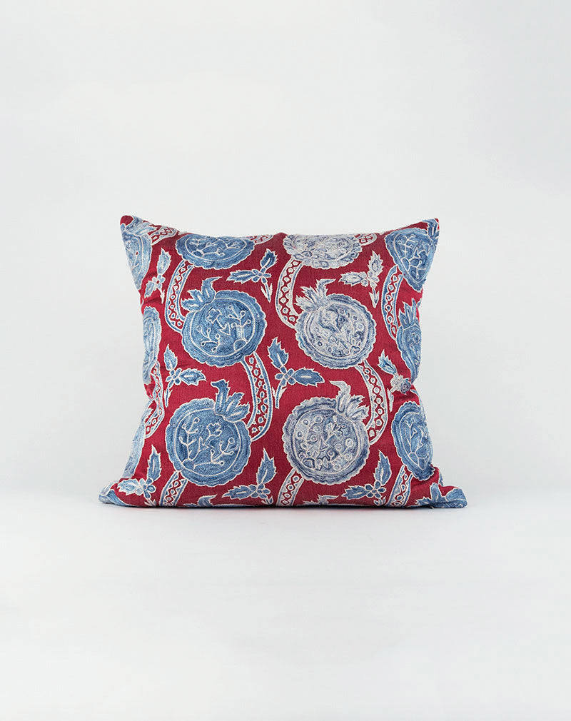 products/turkish-silk-pillow-1-front.jpg