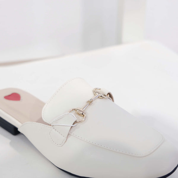 Leather Heart Flat in White