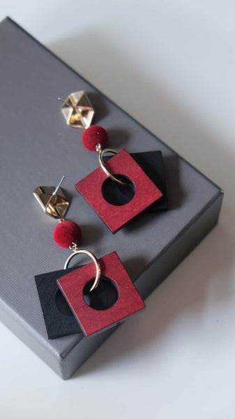 Joeyl Earings in Red