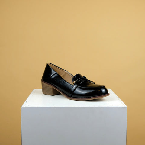 Emma Loafers in Black