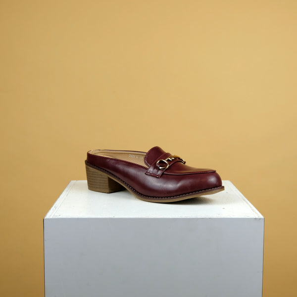 Dabrylla Loafers in Maroon