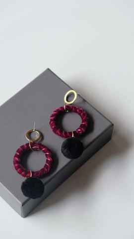 Joeyl Earings in Maroon