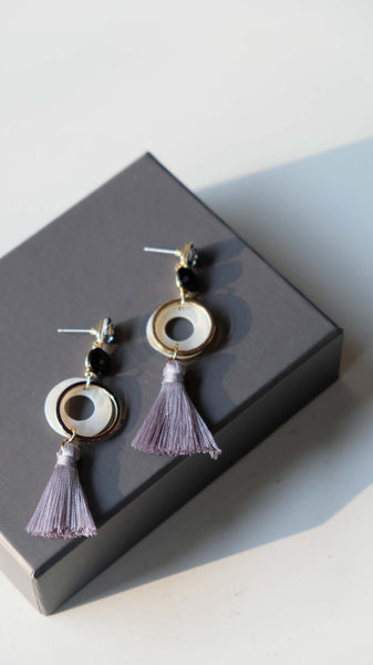 Joeyl Earings in Grey