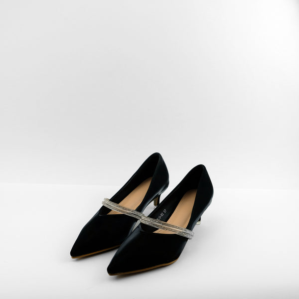 Velvet Pointed Toe heels in black