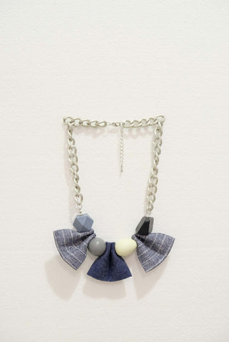 Joeyl Necklaces in Grey