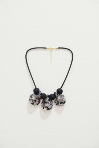 Joeyl Necklaces in Black