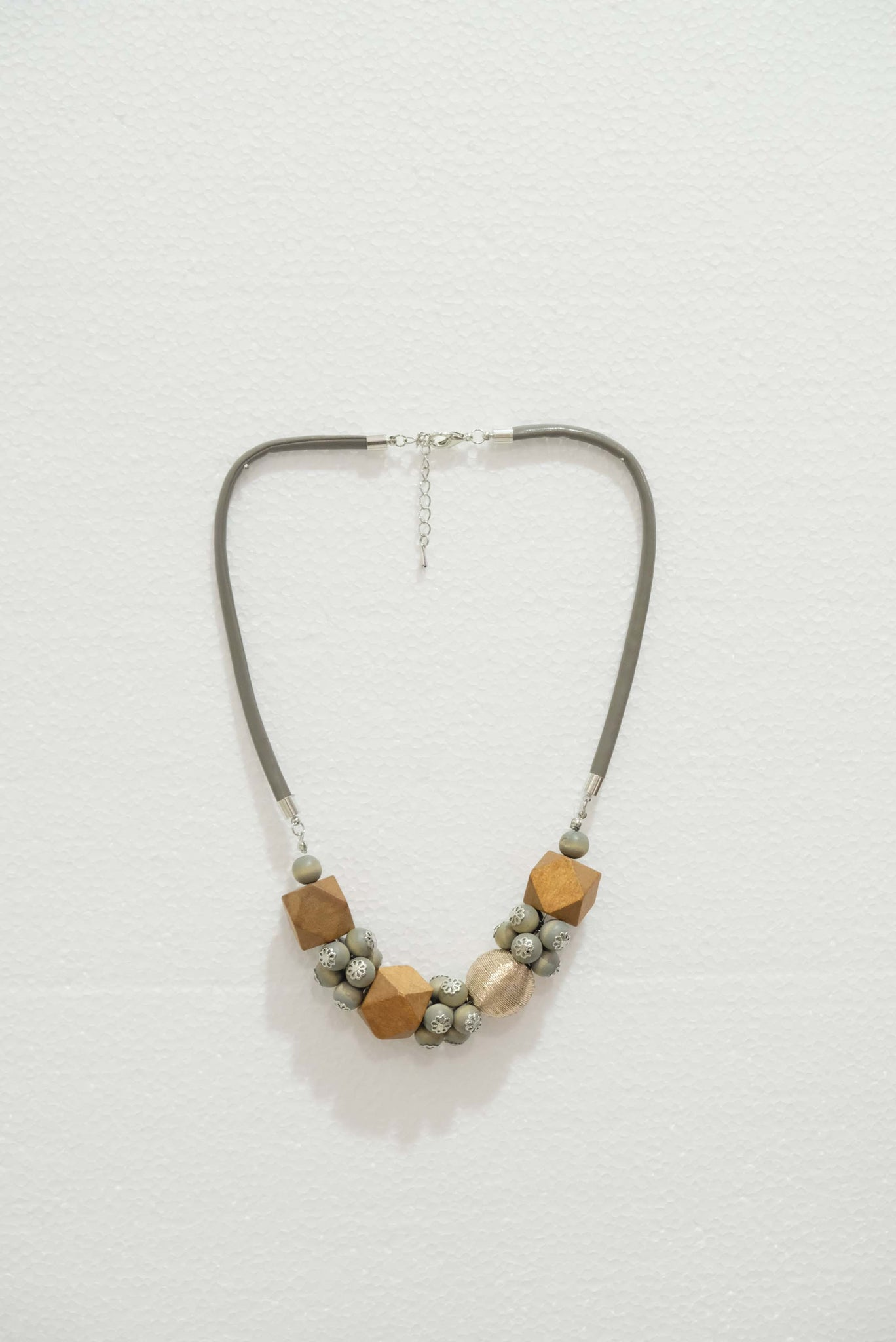 Joeyl Necklaces in Brown
