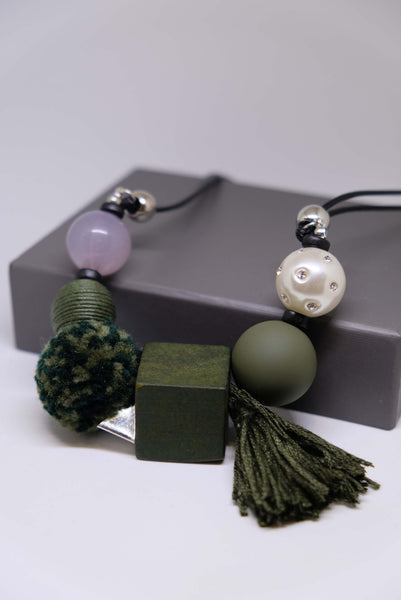 Joeyl Necklaces in Green