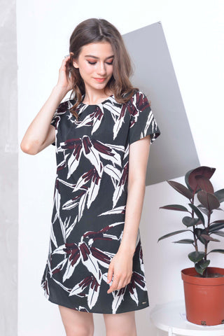 Casual -Floral prints dress in Green