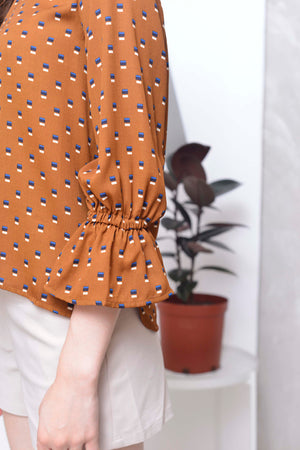 Basics-Odie Top in Brown