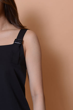 Casual- Ladies top in black