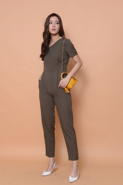 Collection-[petite cutting] designer jumpsuit in ar.green