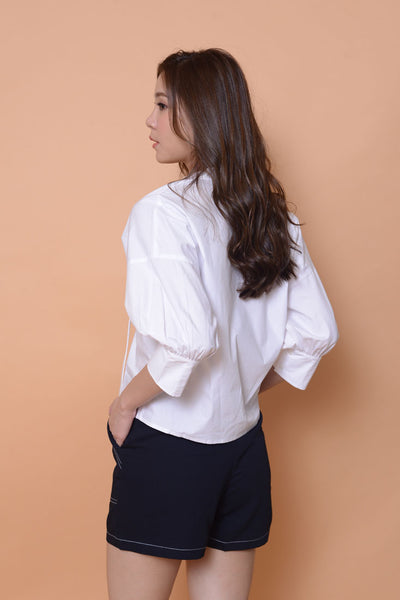 Collection-Puff sleeve cotton top in white