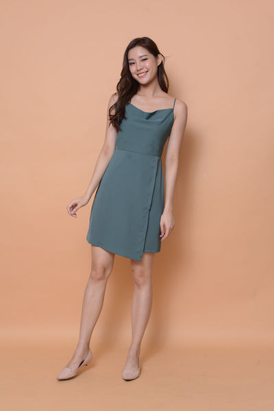 Collection-crawl neck dress in green