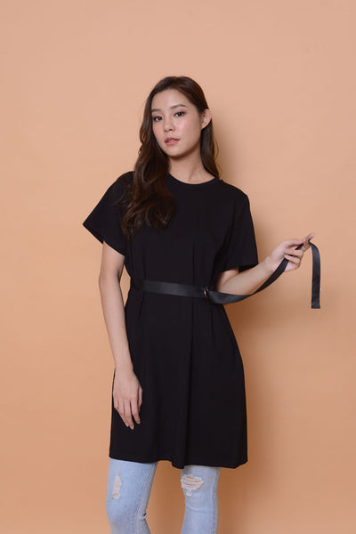 Casual-D-ring dress in black
