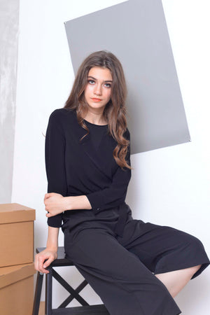 Basics-Cyrano Top in Black