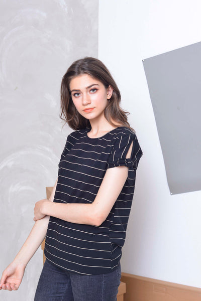 Casual Tee in Black.white strips