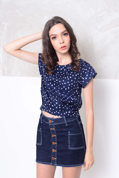 Basics- Design prints crop top in navy