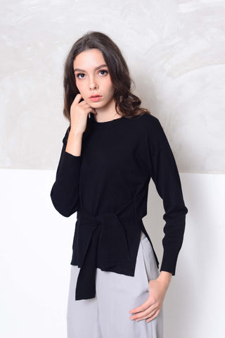 Knit- Design ribbon tier knit top in black