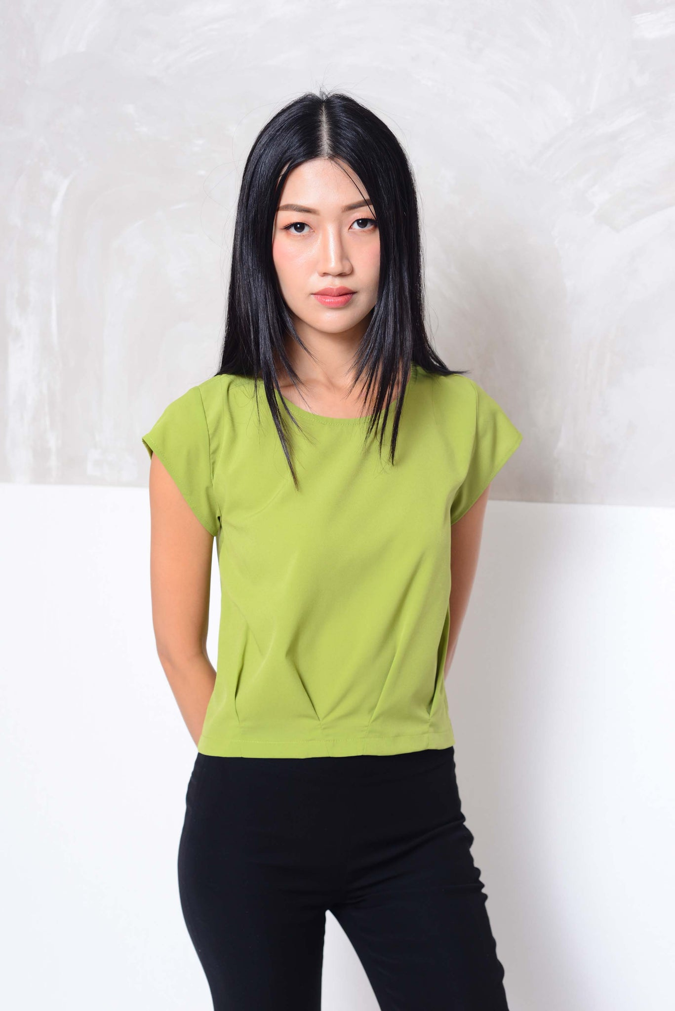 coming soon! Basics- Design pleats crop top in green