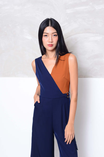 Casual-Slvless color block jumpsuit in navy