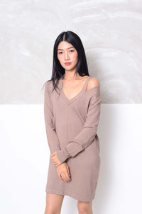 [FREE]Knit- Cut out neck mini knit dress in brown