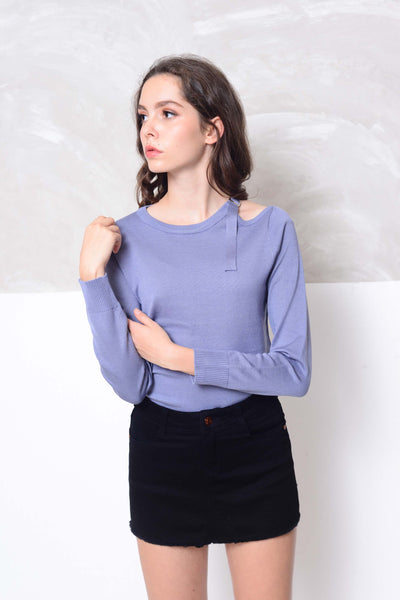 Knit- Cut out shoulder knit top in blue