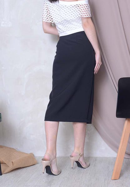 Ribbon Tier Slit Skirt in Black