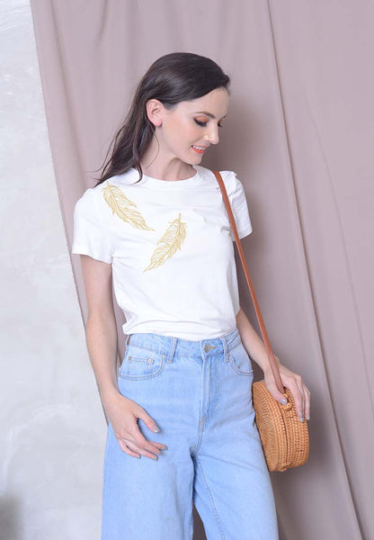 Casual – Feather Embroidery Tee in White