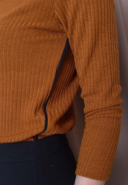 Casual – Long Sleeve Knit Top in Mustard