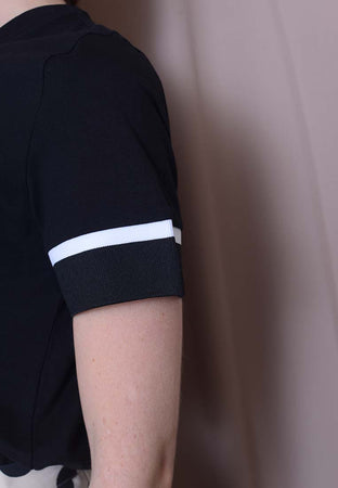 Casual – Sporty Rib Tee in Black