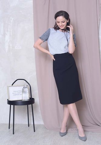 Plain Pencil Skirt in Black