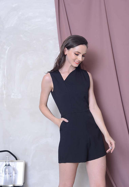 Casual – Irregular Neckline Jumpsuit in Black