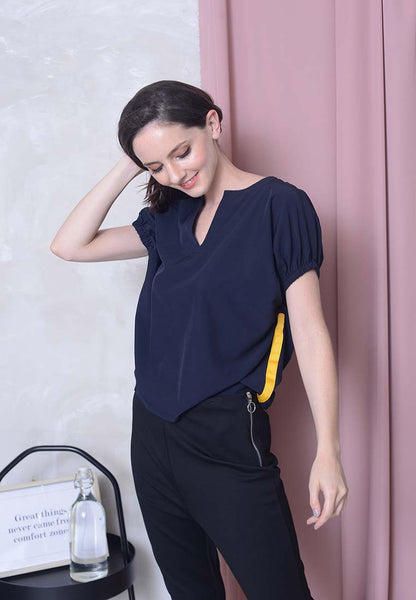 Casual – Puff Sleeve Sporty Top in Navy
