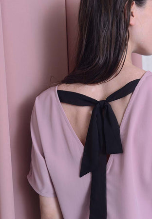 Casual – Color Block Ribbon Tier Top in Pink